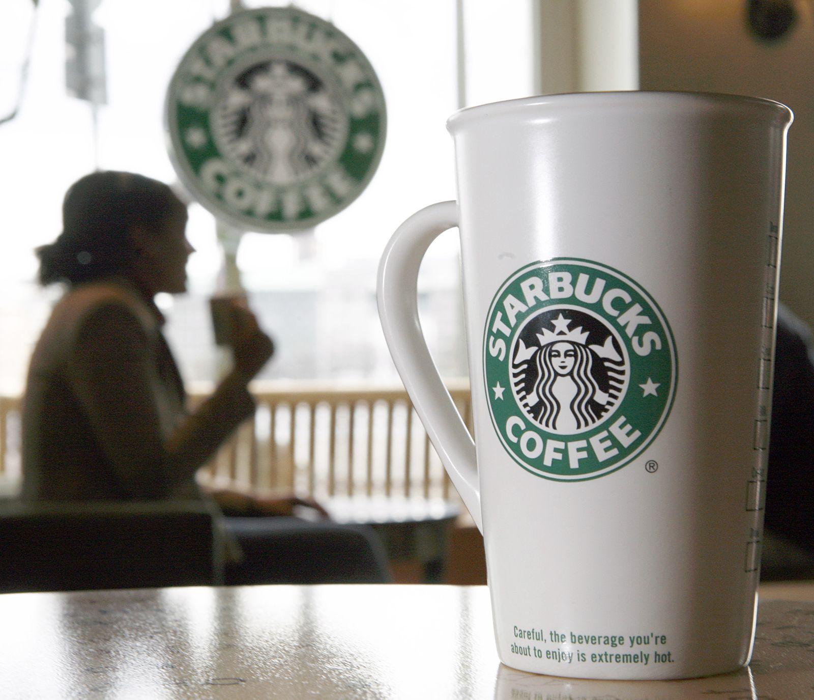 Starbucks / Becher