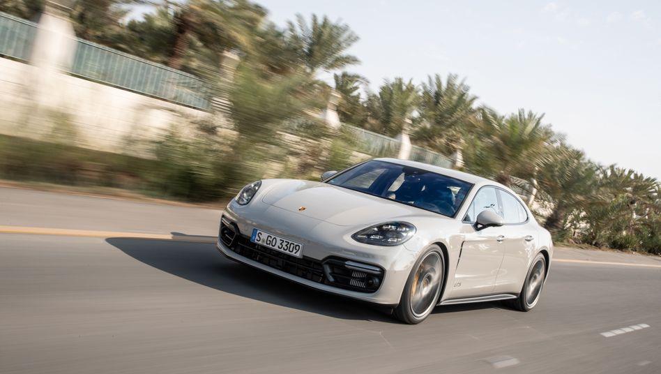 Porsche Panamera: Auch die Sportlimousine muss zurück in die Werkstatt