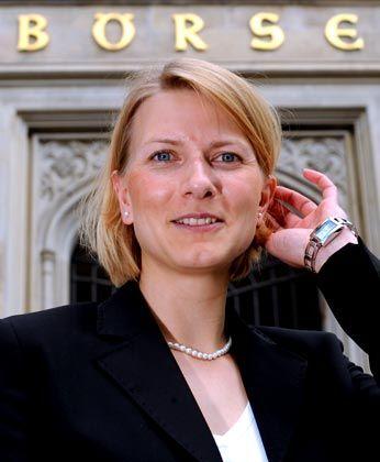 Deutschlands jüngste Börsenchefin: Lüth vor der Börse in Hannover