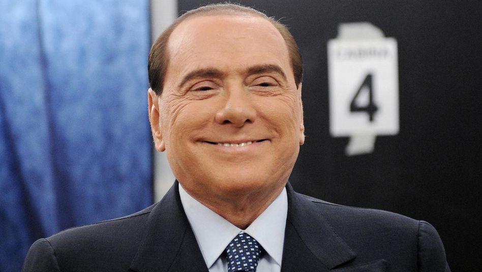 Haftstrafenurteile: Sie haben Berlusconi noch nie wirklich gekratzt. Dafür beschäftigt der Unternehmer und frühere Regierungschef schließlich ein Heer von Anwälten
