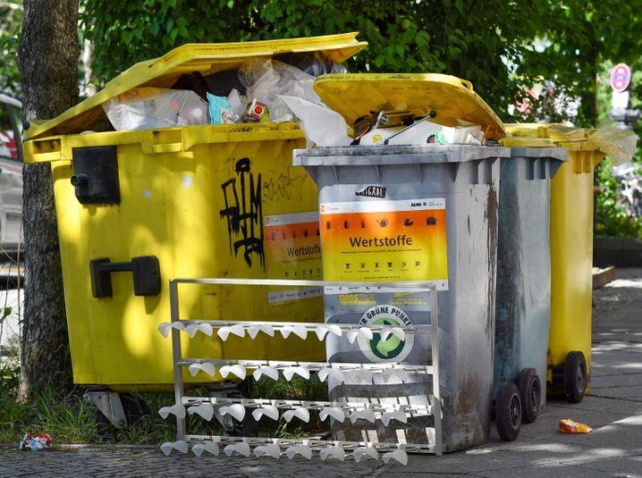 Mangels verlässlicher Daten bleibt unklar, wie viel beschädigte oder retournierte Ware tatsächlich in den Müll kommen
