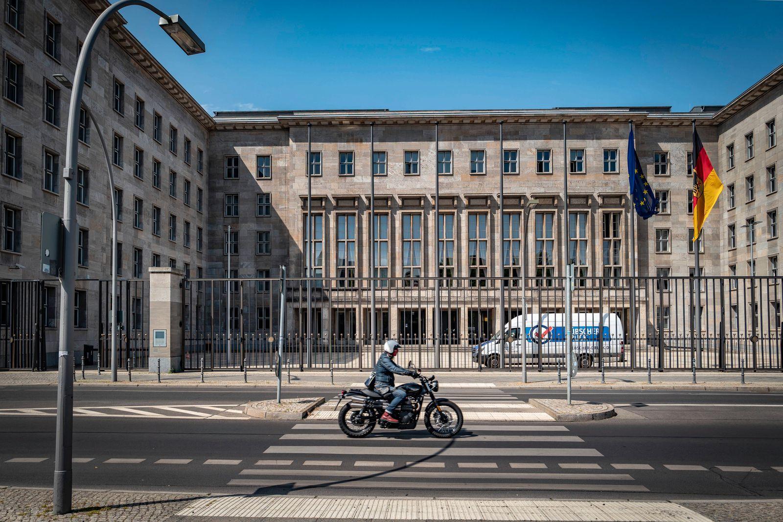 Berlin Mitte; Bundesministerium der Finanzen, Wilhelmstraße Berlin *** Berlin Mitte Federal Ministry of Finance, Wilhelm
