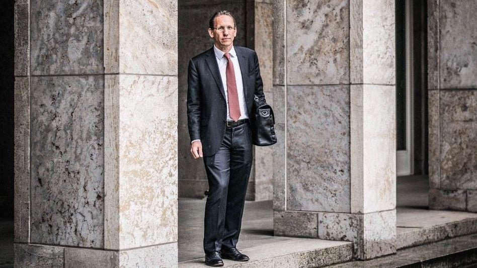Genosse Banker:Erst warJörg KukiesJuso, später saß er in den Türmen von Goldman Sachs, jetzt im Berliner 30er-Jahre-Bau des Bundesfinanzministeriums: als Staatssekretär