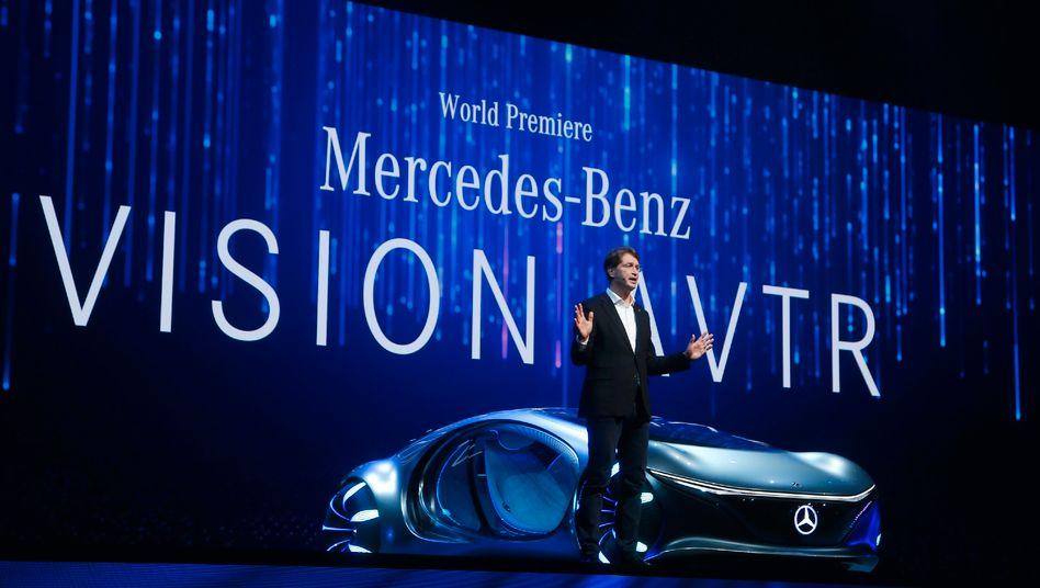 Daimler-Chef Ola Källenius stellt das Vision-AVTR-Konzept in Las Vegas vor