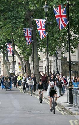 Bei Sonne und Regen: Viele Londoner sind auf das Fahrrad umgestiegen