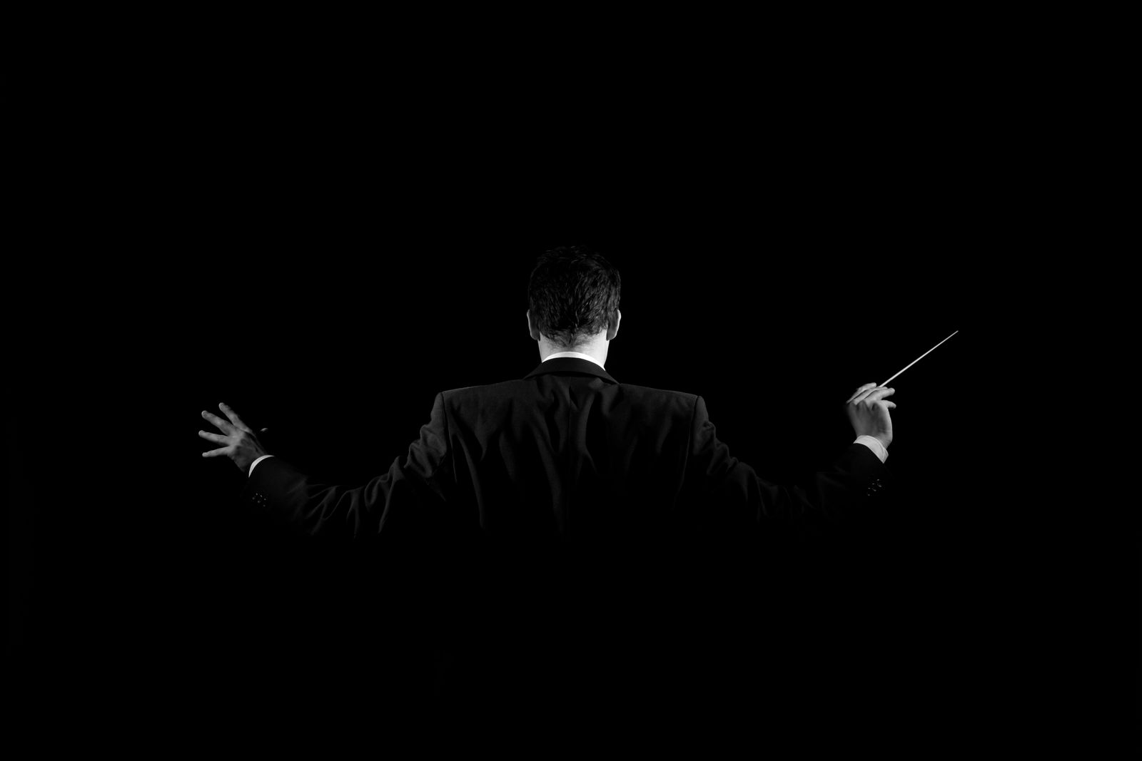 Conductor in shadow