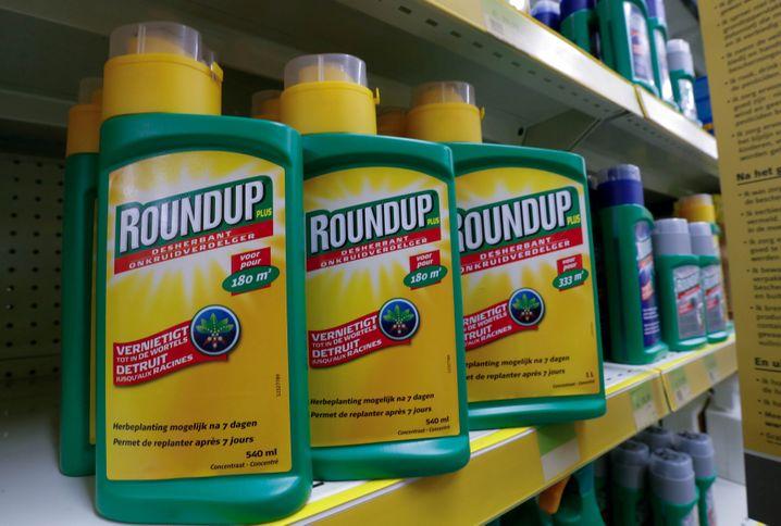 Roundup: Klagen im Zusammenhang mit dem womöglich krebserregenden Unkrautvernichter bleiben das große Thema für Bayer