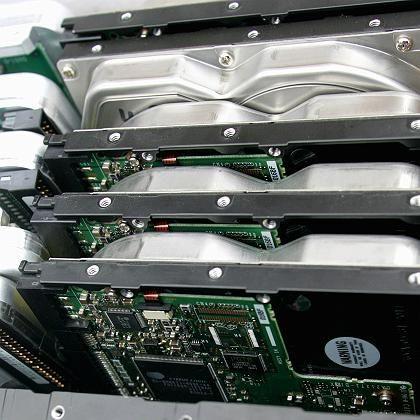 Ordnung für die Festplatte: Durch Defragmentieren und Löschen unnützer Dateien lässt sich der Rechner um einiges schneller machen