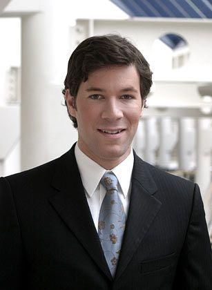 Markus Giesler, Jahrgang 1976, ist Professor an der Schulich School of Business. Er ist Absolvent der Privaten Universität Witten/Herdecke. Mit 27 folgte er dem Ruf an die renommierte York University in Toronto. Sein Forschungsgebiet: Marketing und Konsum.