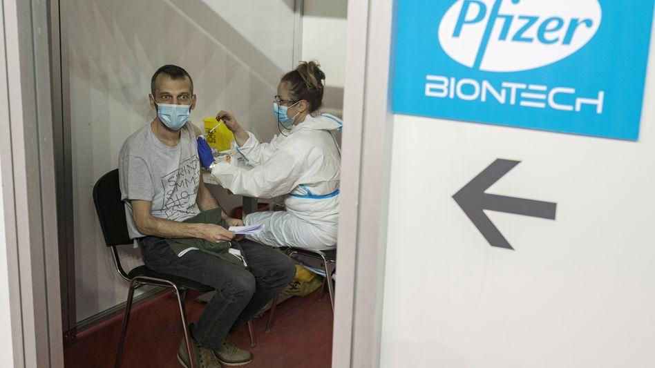 Impfung: Der von der Mainzer Firma Biontech entwickelte Corona-Impfstoff Comirnaty ist ein Glücksgriff für Pfizer