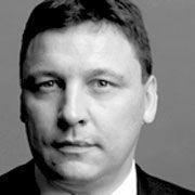 Jan D. Bayer, ist Partner und Leiter des Bereiches Finanzielle Restrukturierung bei der Rechtsanwaltskanzlei Broich Bezzenberger. Die Anwälte des Fachbereiches beraten bei Anleiherestrukturierungen und Sanierungen von Großunternehmen in Deutschland und Österreich, zuletzt etwa bei der Merckle-Gruppe, Arcandor, Immofinanz und Head.