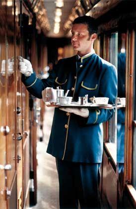 Tee ist fertig: Zum Service im Orient-Express gehört der persönliche Stewart