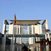 Bericht der Regierung: Rezession anerkannt, Kontrollen angekündigt