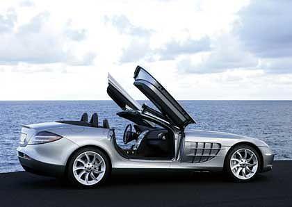 Mercedes-Benz SLR McLaren Roadster: Das Dach faltet sich schnell zusammen