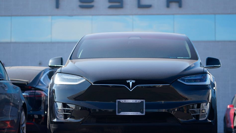 Tesla Model X bei einem US-Händler: Der Elektroautobauer wird in Kürze mutmaßlich gute Quartalszahlen vorlegen
