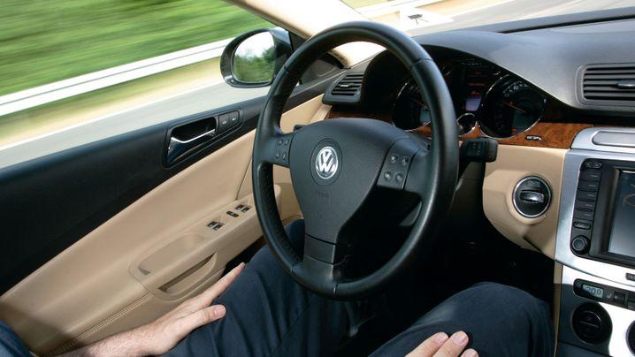 Assistenzsysteme: Wenn der Fahrer zum Beifahrer wird