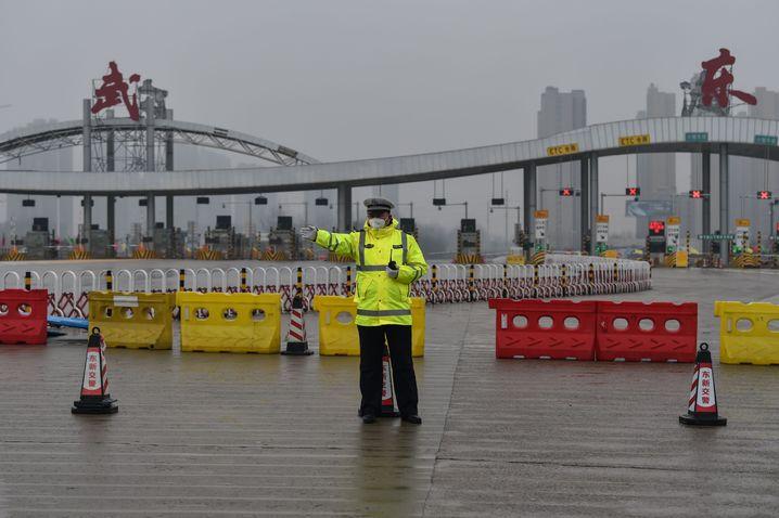 Beschränkungen gelockert: In der chinesischen Stadt Wuhan, dem Ursprung der Pandemie, dürfen wieder Züge fahren