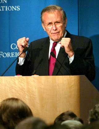 Nicht ohne meine Krone: Donald Rumsfeld, US-Verteidigungsminister