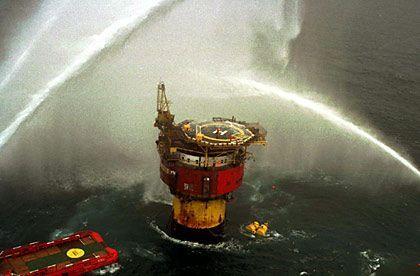 Ölplattform Brent Spar: Greenpeace rief zum Boykott von Shell auf