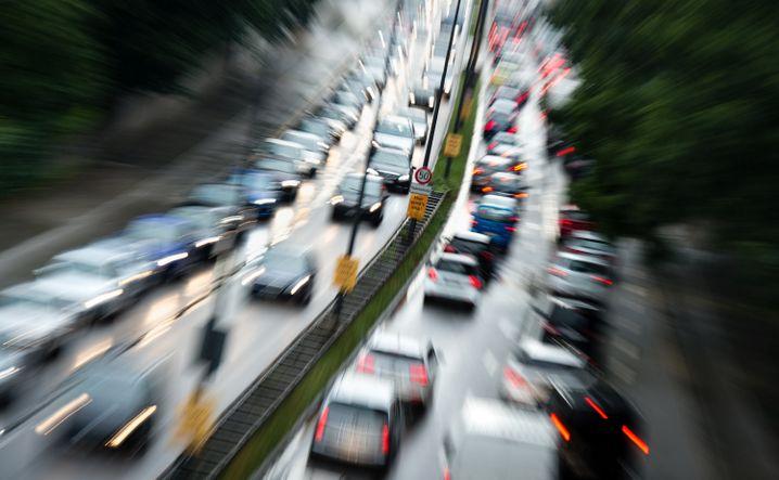 Stau auf Münchens Mittlerem Ring: Die Stadt pumpt Millionen in die Förderung der Elektromobilität