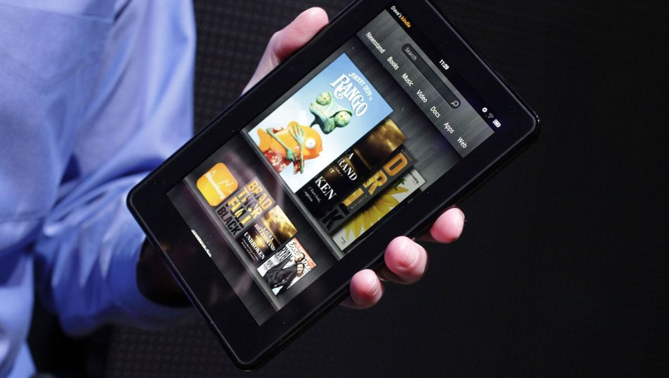 """Amazons Kindle Fire: """"Der Konzern will nicht beim Verkauf der Geräte Geld verdienen, sondern wenn Kunden sie nutzen und Inhalte kaufen."""""""