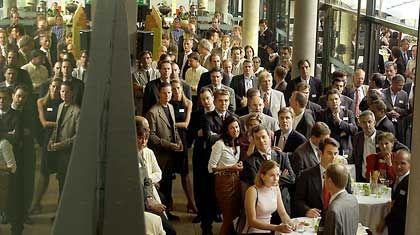 In der manager-lounge treffen sich Führungskräfte der mittleren und oberen Ebene