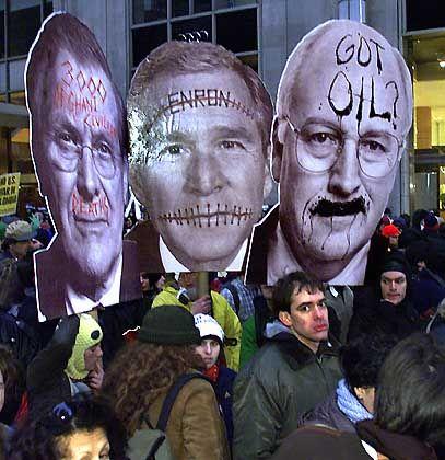 Protest als Parade: Globalisierungsgegener demonstrieren in New York