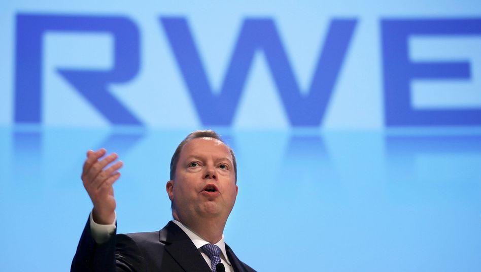 """Ärger, wohin man sieht: RWE-Chef Peter Terium schlägt sich unter anderem mit """"Prozess- und Systemproblemen bei der Privatkundenabrechnung"""" in Großbritannien herum"""