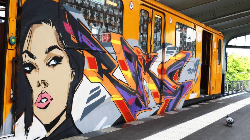 Graffiti am U-Bahnzug in Berlin