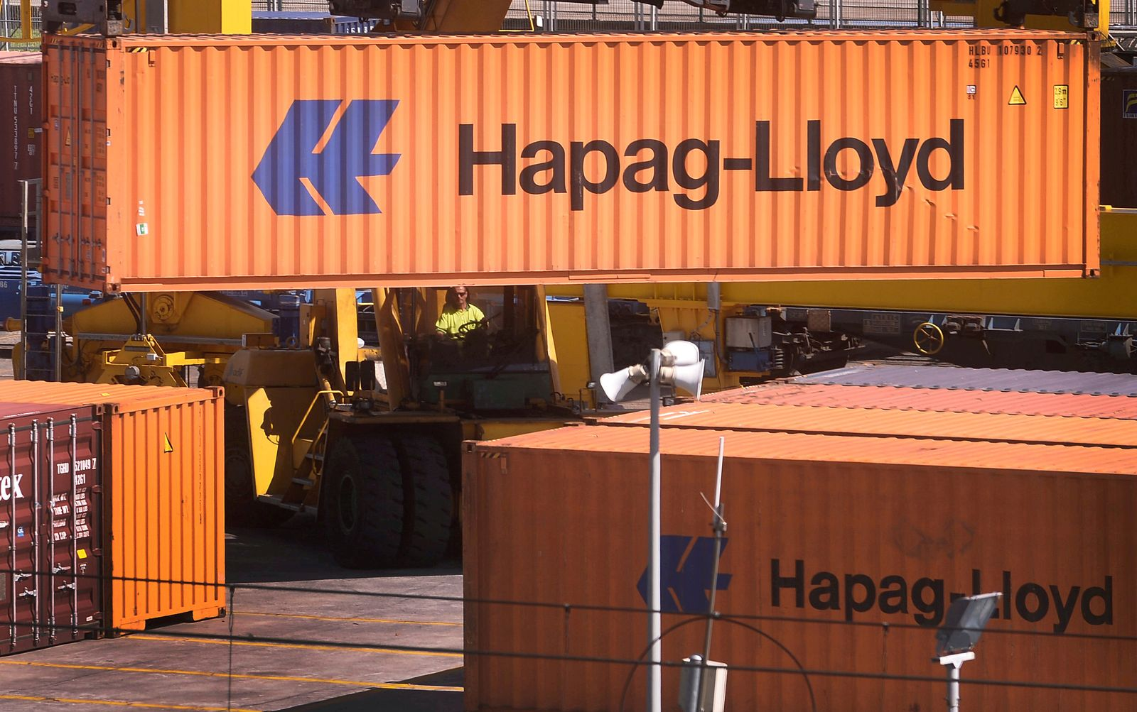 HAPAG LLOYD-OUTLOOK/