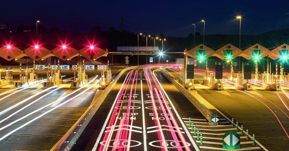 DURCHLEUCHTET ACS prüft eine Übernahme des Autobahnbetreibers Abertis