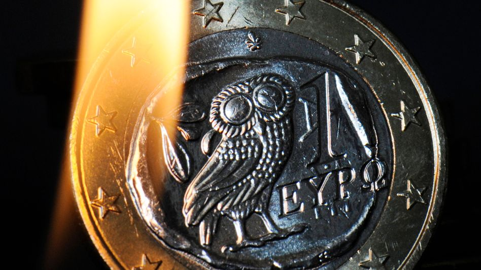 Unter Feuer: Sollte die Euro-Zone scheitern, wird sie es nicht mit einem großen Knall tun