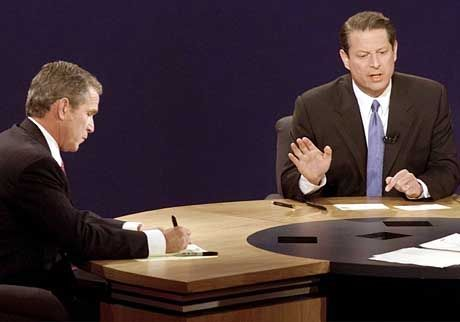 TV-Duell: Bush vor Gore