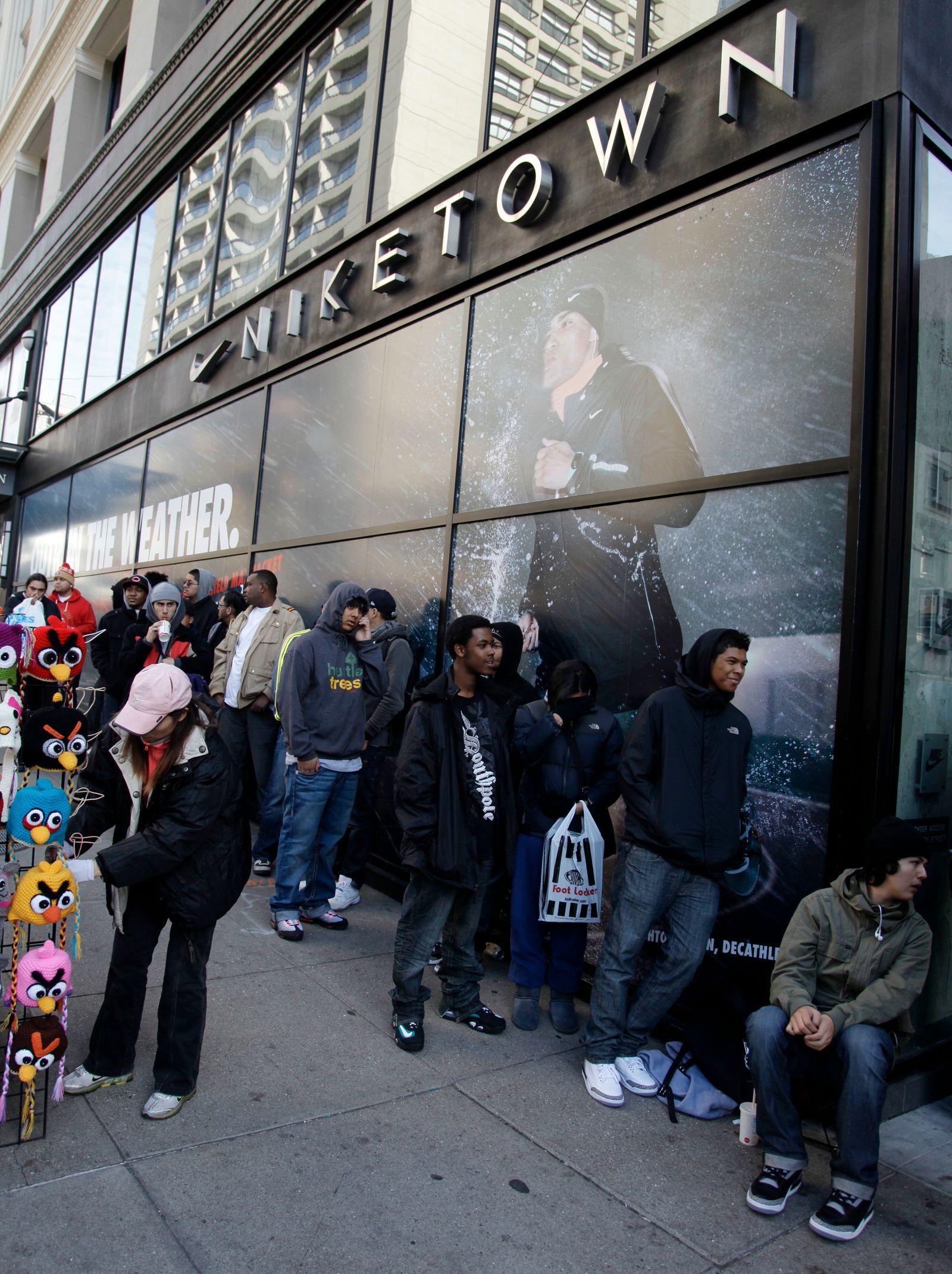 NICHT VERWENDEN Nike / Shop / Store