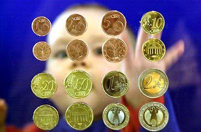 Junge Menschen haben mit der neuen Währung kein Problem