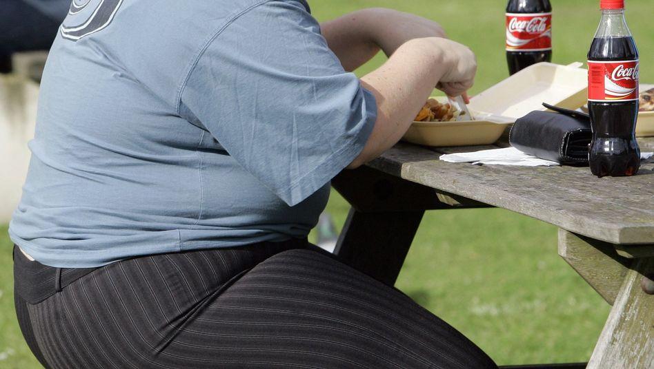 """Übergewicht: Nur noch jeder Vierzehnte aus der Altersgruppe zwischen 18 und 30 Jahren wird als """"rundum gesund"""" eingestuft."""