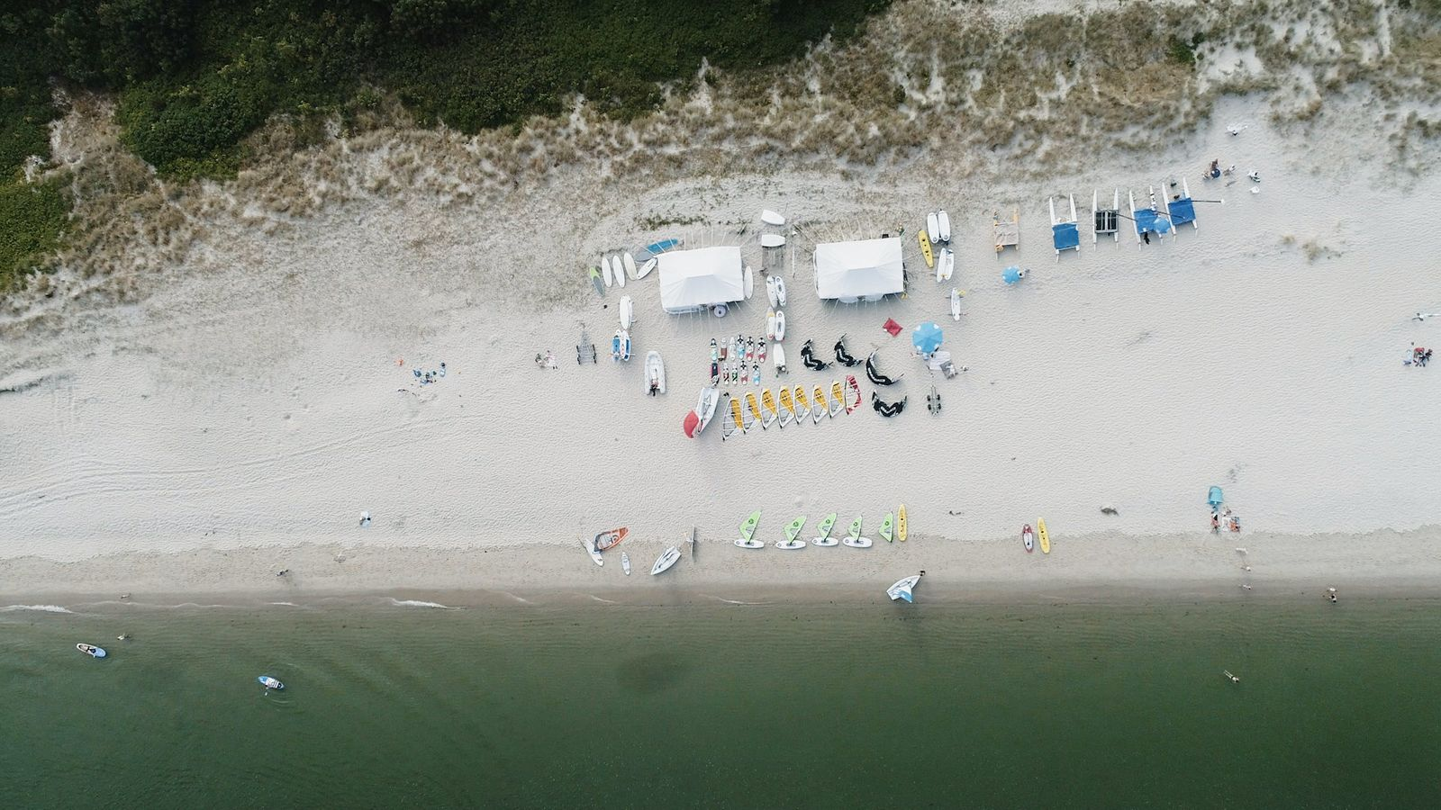 EINMALIGE VERWENDUNG Jeden Tag Meer - Surf-Camps in Europa