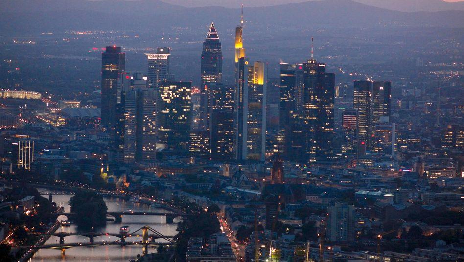 Vertrauensverlust: Moody's überprüft die Kreditwürdigkeit von mehr als 100 Geldhäusern