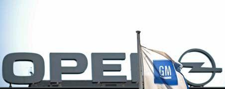 Nervenaufreibend: Das Gezerre um Opel geht schon seit Monaten. Der mit Staatshilfen aufgepäppelte Mutterkonzern General Motors steht jetzt allerdings nicht mehr so unter Entscheidungsdruck wie noch vor einem halben Jahr. Für die Opel-Beschäftigten muss die Ungewissheit über ihre Zukunft mittlerweile unerträglich sein