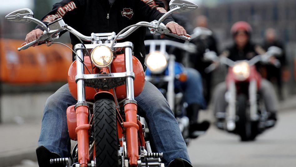 Harley-Days in Hamburg: Der US-Motorradhersteller Harley Davidson verlagert einen Teil der Produktion aus den USA, um Strafzöllen der EU zu entgehen