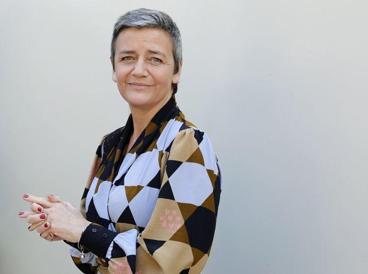 """Weiter in ihrer Paraderolle als """"Tax-Lady"""" und Superstar der Kommission: Margrethe Vestager."""