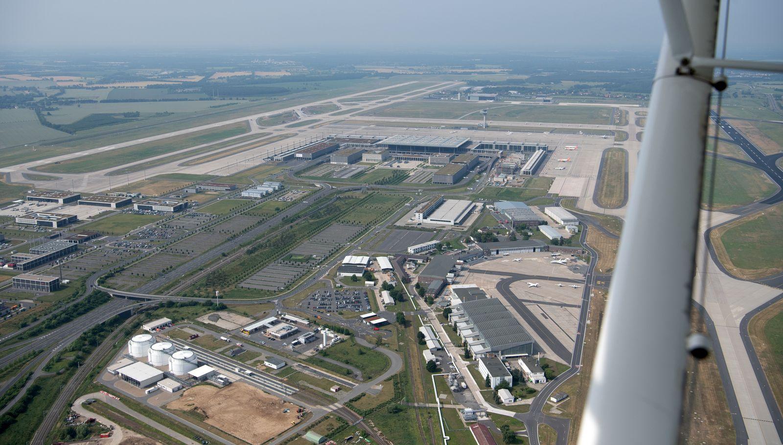 Hauptstadtflughafen BER Luftaufnahme