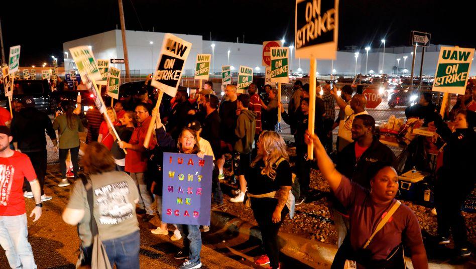 General Motors: Um Mitternacht begann der erste Streik seit Jahren
