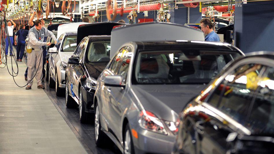 Mercedes-Produktion in Sindelfingen: Bei der Hauptversammlung im Mai sollen die Aktionäre einer neuen Holding-Struktur zustimmen