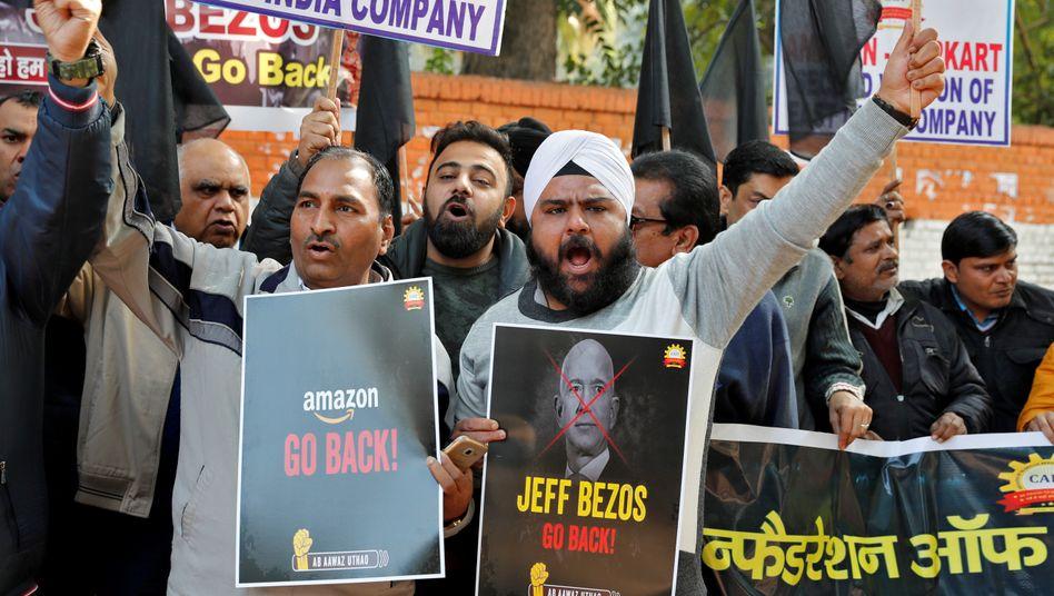 Protest von Straßenhändlern gegen den Indien-Besuch von Amazon-Chef Jeff Bezos im Januar