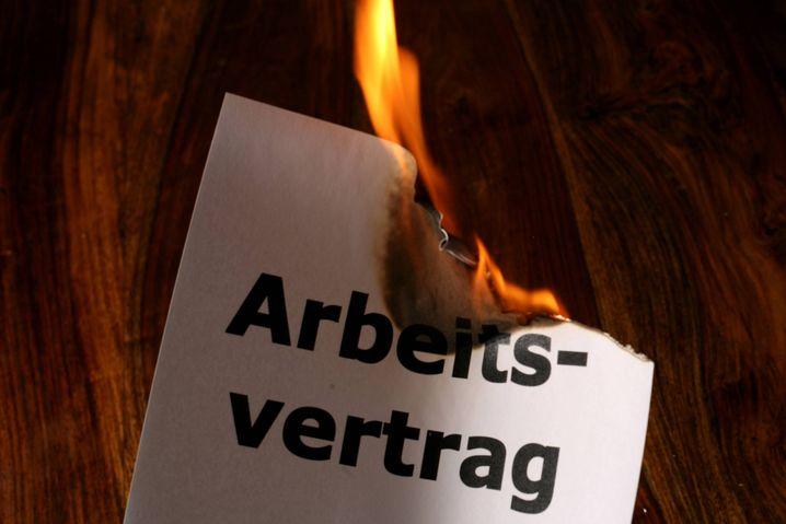 Für viele Österreicher brennt es auf dem Jobmarkt: Die Arbeitslosenquote liegt bei 6 Prozent, und es ist kaum Besserung in Sicht