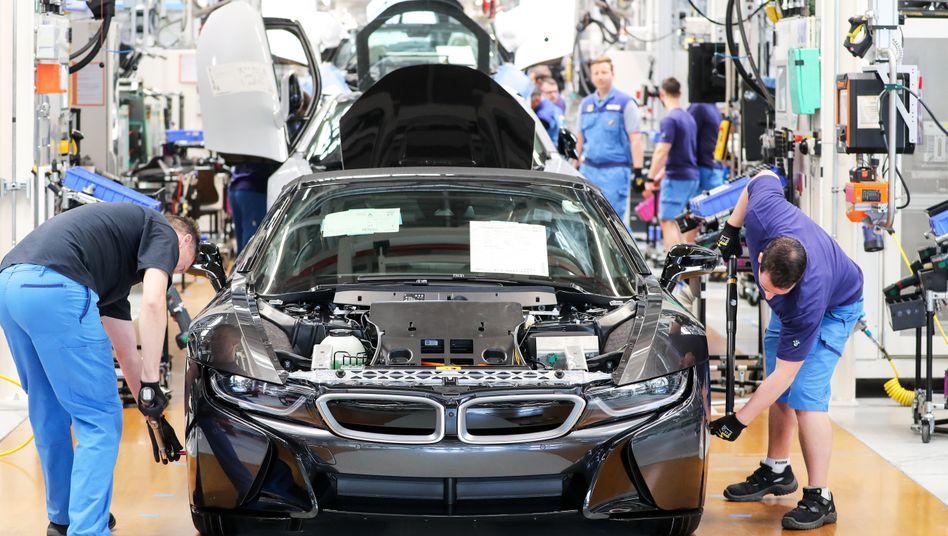 BMW-Werk in Leipzig. Der Automarkt in Deutschland ist im Juni weiter eingebrochen.