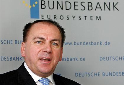 Gesichertes Einkommen: Bundesbank-Präsident Weber