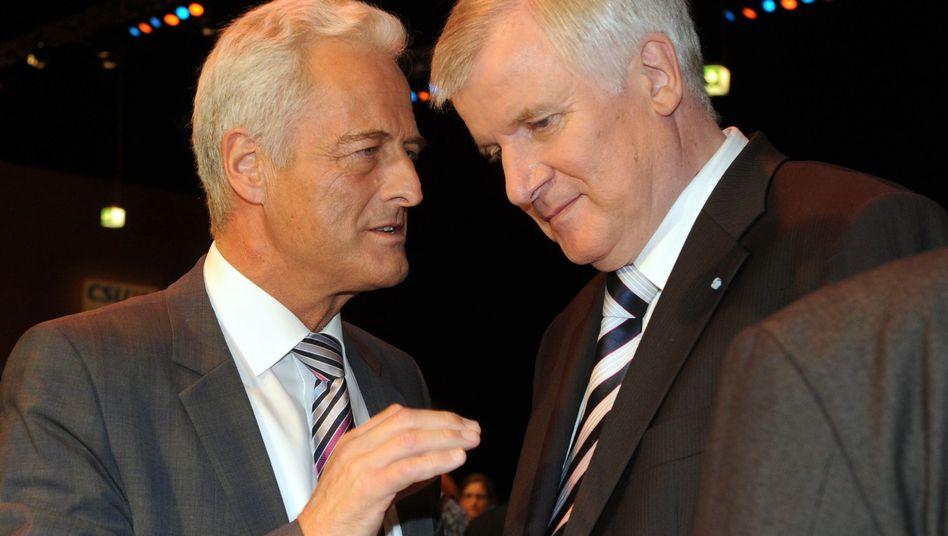 Als Führungsduo bestätigt: Stellvertreter Peter Ramsauer (l.) und CSU-Chef Horst Seehofer