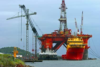 Giganten des Meeres: Die riesigen Ölbohrinseln prägen das Bild der Küstenlinie Stavangers